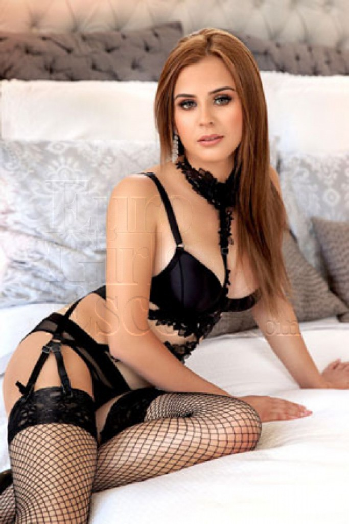 Escort Chantelle - beautiful girls from London